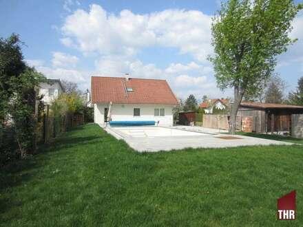 Einfamilienhaus mit großem Südgrund von ca 1200m2 nahe dem Bahnhof von Bad Vöslau!