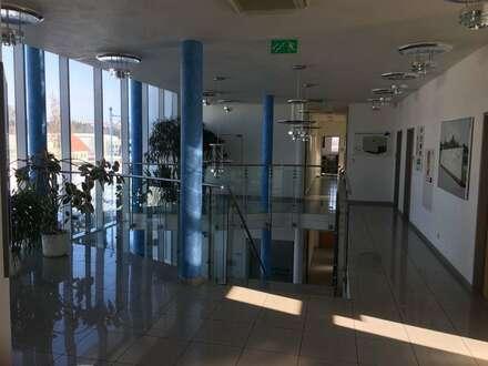 Moderne, helle Büroflächen in guter Lage
