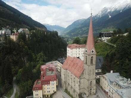 Wohnen und arbeiten im Monte Carlo der Alpen (sanierungsbedürftig)