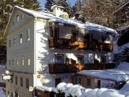 Pension mit 13 Zimmern und Restaurant
