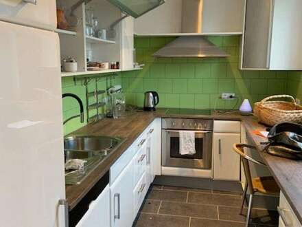 Sehr hell, wohnlich und neu renoviert 3 ZimmerWohnung, für Fam. oder WG geeignet in Hall mit guter Anbindung zur UMIT