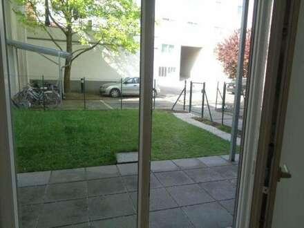 Charmante 3 Zimmerwohnung mit kleinem hofseitigen Garten und Terrasse Stadtplatz