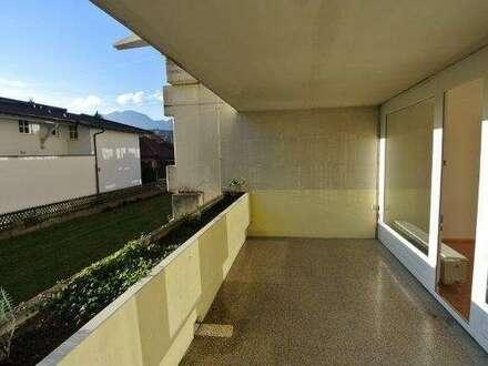Helle freundliche 2 Zimmerwohnung mit großen Balkon!