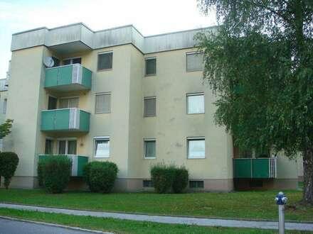 Großzügige 3-Zimmer-Wohnung mit Balkon mit einmaliger Lage! Familienfreundliche, ruhige Grünlage! Provisionsfrei!