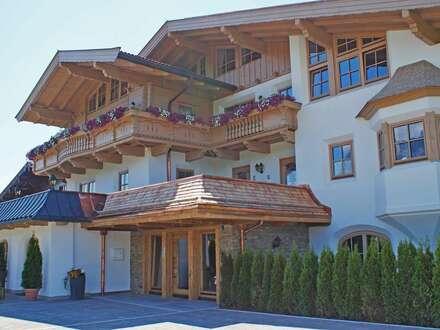 Vollmöbliertes Apartment im Tiroler Alpenstil in sonniger Lage von Ellmau