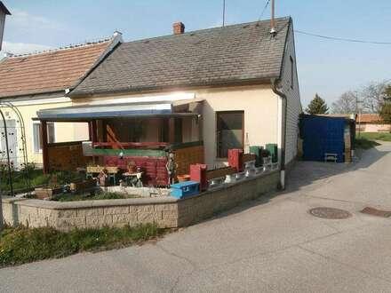 Bernhardsthal: Kleines Landhaus