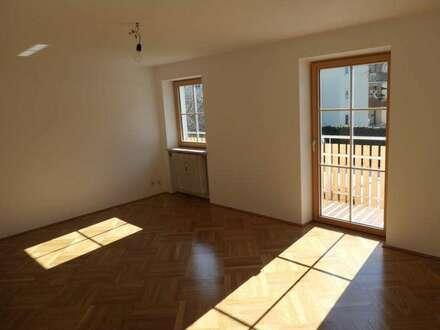 Ruhige 4-Zimmer Wohnung mit Balkon und Garage - Salzburg Süd - Niederalm-Rif