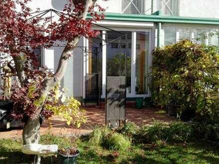 Aufwachen mit Vogelgezwitscher! Eine gepflegte Maisonette in ruhiger Lage! Garten, Terrasse:)plus Carport!