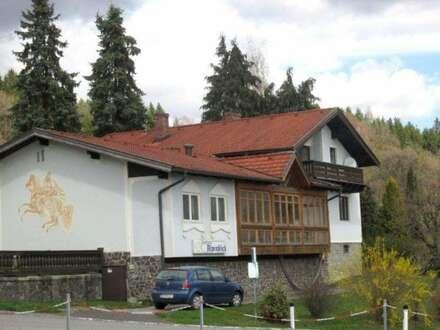 Eine Sache mit Weitblick - schönes Lokal samt Einfamilienhaus!