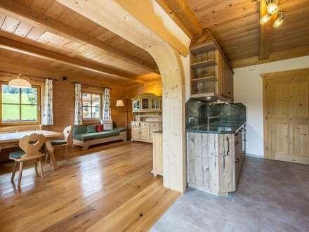 Erstbezug – vollmöbliertes Apartment in charmantem Bauernhaus mit Kaiserblick