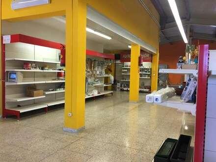 Neudau bei Bad Walterdorf, A2 Nähe, Verkaufshalle mit Büro, Freilagerflächen, weitere Hallen