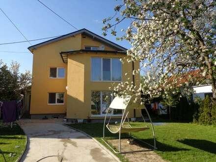 Wunderschönes 3-Familienhaus mit großem Garten in RUHELAGE zu verkaufen!