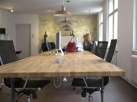 Arbeitsplätze/Büropartner in geräumigen Großraumbüro