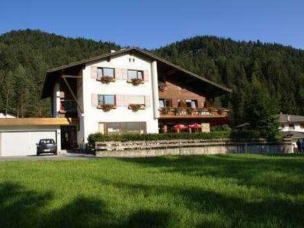 Hotel - Pension in Leutasch! Nur etwa 30 km vom Flughafen Innsbruck entfernt.