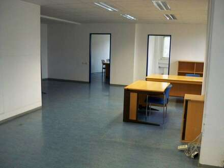 Herrliche Büroetagen/Praxis mit schönen Ausblick zu je ca. 190 qm mit barrierefreien Lift