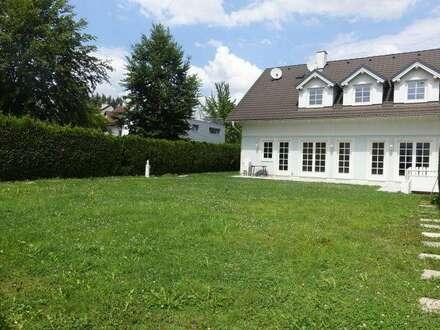 Großzügiges Einfamilienhaus in Ruhelage / 250 m² Wohnfläche / 400 m² Garten