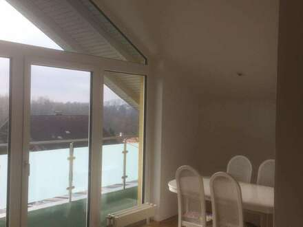 85m² Dachgeschosswohnung möbliert und neu renoviert