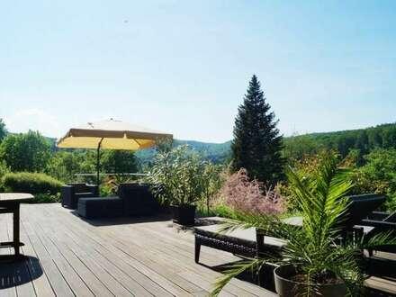 Große Villa mit 7000m² Parklandschaft, Indoorpool, Gablitzer Ruhelage!