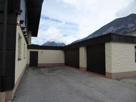 Therapie-Räumlichkeiten im Erdgeschoss, Buch in Tirol