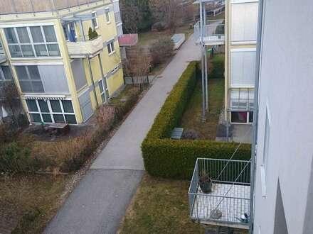 Provisionsfrei, 2 Zimmer Wohnung mit Balkon