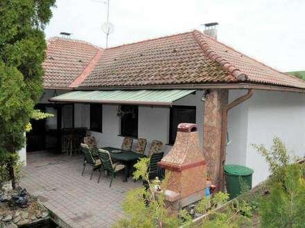 Renoviertes, helles Einfamilienhaus in Grünruhelage!