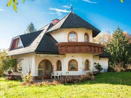 Gediegene Villa mit Parkgrundstück