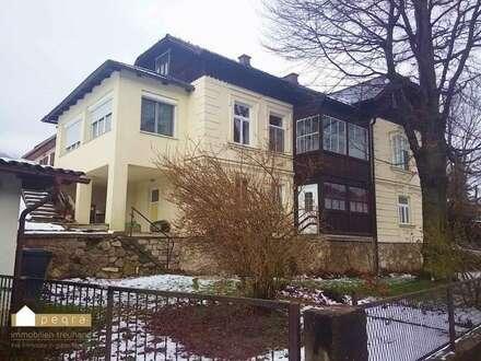 Thenneberg: schönes Landhaus voll renoviert mit Wintergarten, Garage