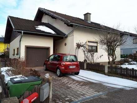 Zweifamilien Wohnhaus in ruhiger Lage