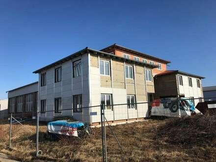 Gewerbeobjekt in Wolfern bei Steyr, Büro mit Lagerhalle