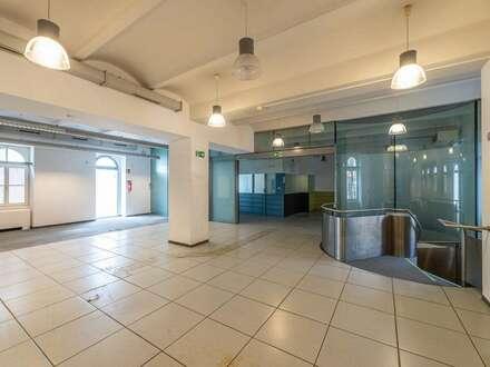 Geschäftslokal mit großem Lager // shop or office with huge storage spaces in prime location