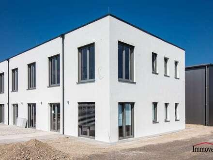 ERSTBEZUG - elegante Büroräume in einem modernen Neubau- Nähe Flugplatz Bad Vöslau!