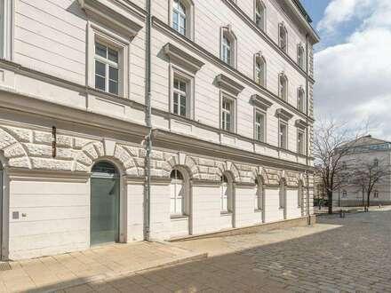 Altbau-Büro mit Tresorraum und Lager // office with safe and storage spaces