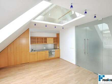 Design-Dachgeschoßmaisonette mit Terrasse und wunderbarem Fernblick - inkl. Garagenplatz!!!