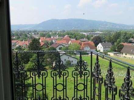 Schönes Einfamilienhaus mit Traumgarten, der einen wunderschönen Blick über Wien und Klosterneuburg erlaubt