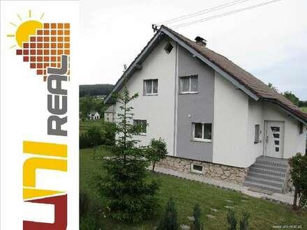 - UNI-Real - Wunderschönes modernes Eigenheim mit weitläufigem Garten