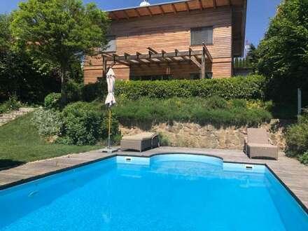 Familienhaus am Ölberg - nachhaltige Holzbauweise - Garten mit Swimmingpool
