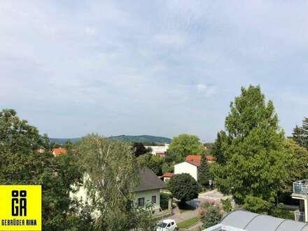 BEZUGSFERTIGE RUHIGE Dachgeschoßwohnung - BLICK AUF DEN KAHLENBERG und BISAMBERG - Terrasse - große Wohnküche - Lift - TIEFAGARAGENPLATZ