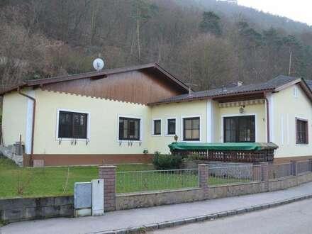 Liebevoll gepflegtes Einfamilienhaus am Fuße des Göttweigers
