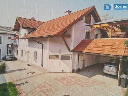 ABSOLUT NEU AM MARKT: 3131 Getzersdorf - 1-3-Fam.-Haus mit uneinsehbarem Grundstück, 4 Garagen und Pool, Terrasse und Balkon