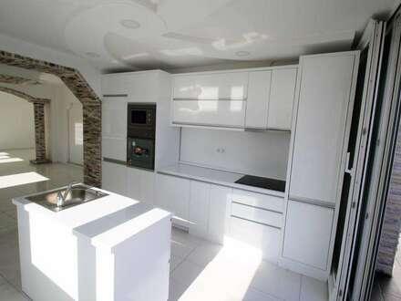 OPEN HOUSE ,SAMSTAG 12:30 - 15:00 Uhr den 22.09.18 EUR 199.000.- !!! Luxuriös,modernes Haus mit 139m² Wfl.