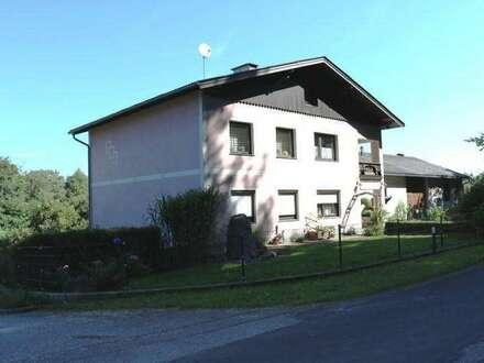 Großzügiges Wohnhaus mit Wirtschaftstrakt in Stephanshart