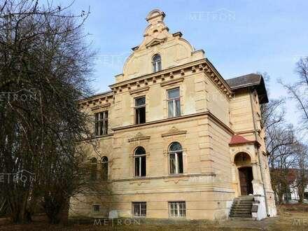 Zauberhafte, historische Jahrhundertwendevilla mit Parkanlage und Baugrund im...
