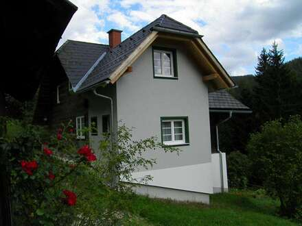 kleines, nettes, komplett renoviertes Häuschen in sonniger & ruhiger Lage zu vermieten