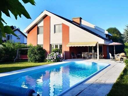 Liebevoll gepflegtes großzügiges Einfamilienhaus mit Pool