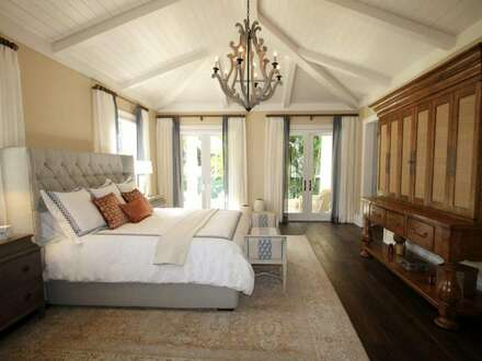 Historische 12-Zimmer Villa mit Spa-Bereich in Gersthof