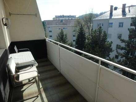 Andritz: 2 ZI (WG-tauglich!) + Wohnküche + Balkon mit Fernblick + PKW-Plätze!