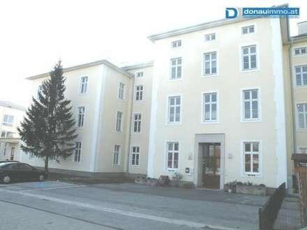 2700 Wiener Neustadt, Kleine Büro- Praxisräumlichkeit zu mieten