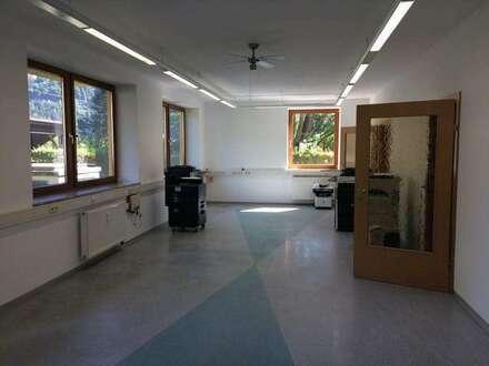 Büro/Praxis - Gewerbefläche - ebenerdig begehbar