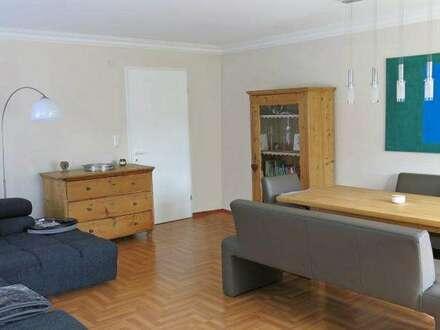 Großzügige helle 3-Zimmer-Wohnung mit eigener Dachterrasse