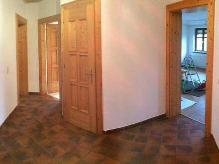 schöne geräumige 85qm Wohnung in TOP Zustand und zentraler Lage - provisionsfrei !